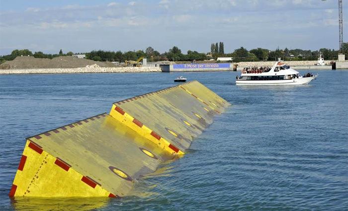 Dal Mose uno tsunami per Venezia, arrestato il sindaco Orsoni