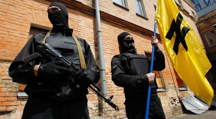 Ucraina, il battaglione nazi che combatte per Kiev