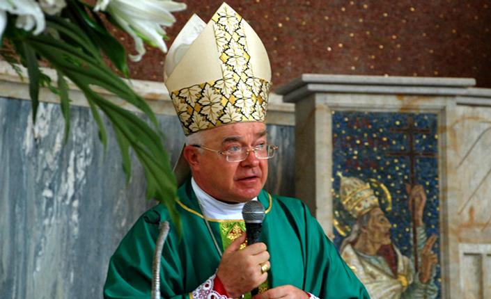 """""""L'ex nunzio apostolico Wesolowski colpevole di pedofilia"""". Rischia l'arresto a Santo Domingo."""