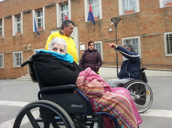 A Pomezia i poveri pagano l'assistenza ai disabili