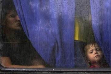 Ucraina, oltre centomila civili fuggiti dalla guerra