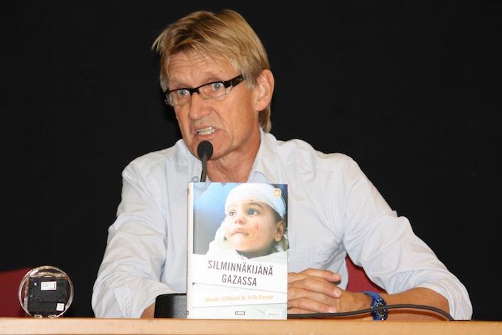 """Mads Gilbert presenta il suo libro """"Gli occhi su Gaza""""."""