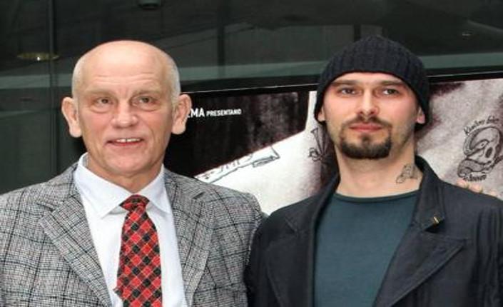 Nicolai Lilin con John Makovich