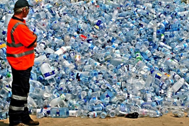 Acqua pubblica, come ti imbottiglio la Regione