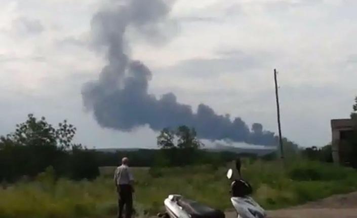 Boeing civile abbattuto in Ucraina. Mosca e Kiev si accusano a vicenda