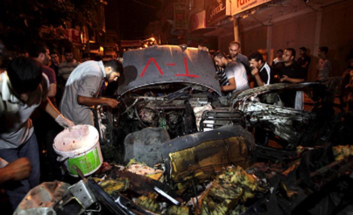 MACCHINA TV COLPITA DA UN DRONE ISRAELIANO IL 9 LUGLIO. MORTO L'AUTISTA HAMDI HISHAB (REUTERS/ASHRAF ARMRAH)