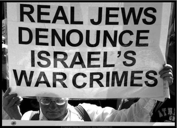 Finkelstein: Basta strumentalizzare l'Olocausto per difendere Israele (video)