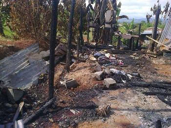 Costa Rica salitre distruzione case Bribri