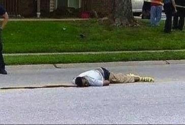 Rabbia senza fine dei neri del Missouri: «Sulla forca il poliziotto assassino»