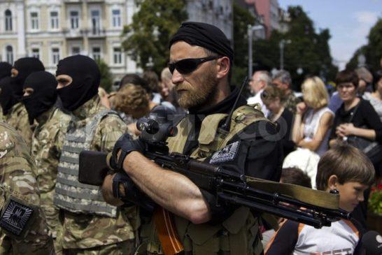 1403566162-azov-battalion-soldiers--leave-kiev-for-eastern-ukraine_5084919
