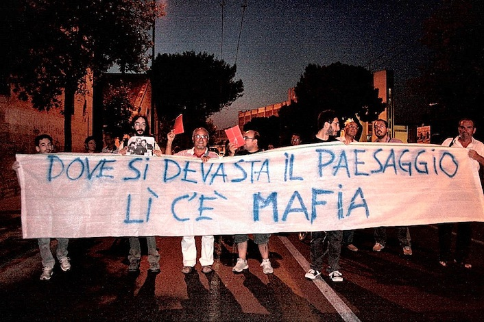 """La """"Grande Bellezza"""" delle coste italiane cancellata dal cemento"""
