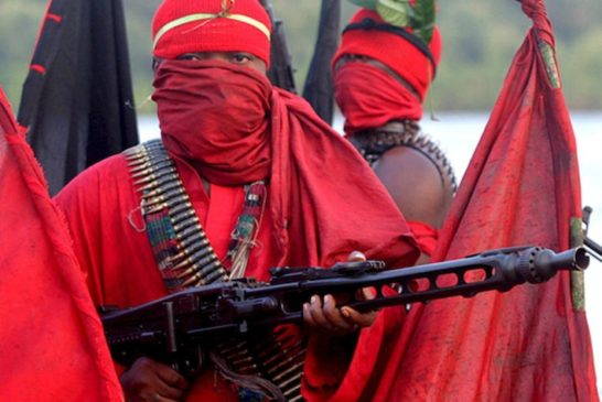 Nigerian militants declare 'oil war'