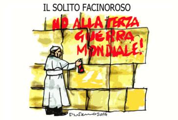 Bossi, il Papa e la Capannina, l'umorismo graffiante di Tiziano Riverso