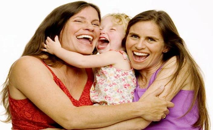 coppia-lesbica-adozione