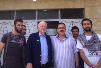 Il patto Isil-Usa in una foto