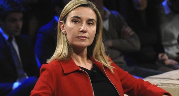 Ma ministra degli Esteri Federica Mogherini. Secondo Wikileaks, la Mogherini frequenta dal 2006 meeting segreti con agenti segreti e politici statunitensi.