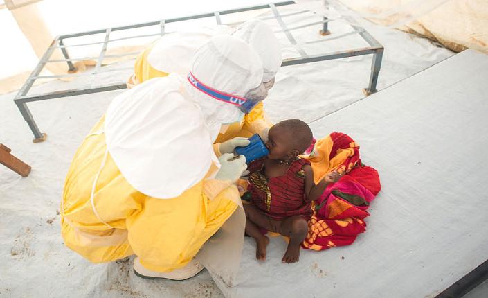 Dentro l'inferno della guerra all'Ebola