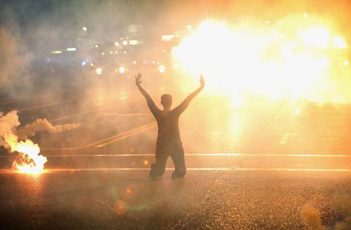 Missouri, ecco come la polizia uccide i neri (video)