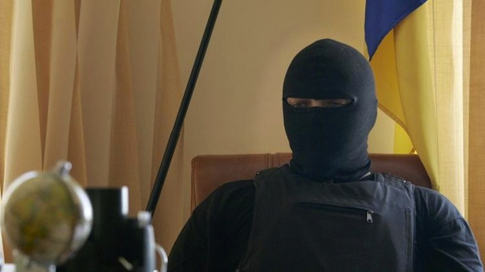 Il capo del battaglione Donbass Semyon Semyonchenko nel corso di un'intervista.
