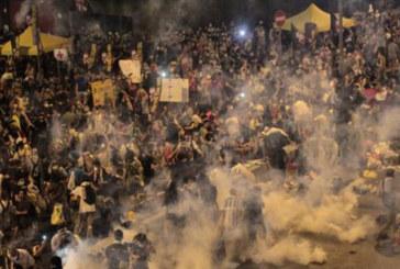"""Hong Kong: """"Occupy Central"""", la polizia carica i manifestanti"""