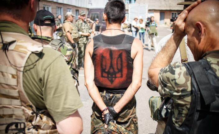 Amnesty a Kiev: stop ai crimini di guerra dei battaglioni volontari