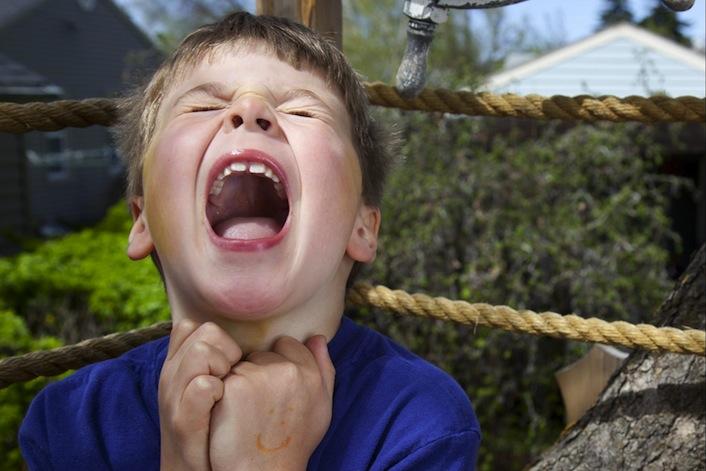 Il vostro bambino fa i capricci? E voi che fate, gridate?