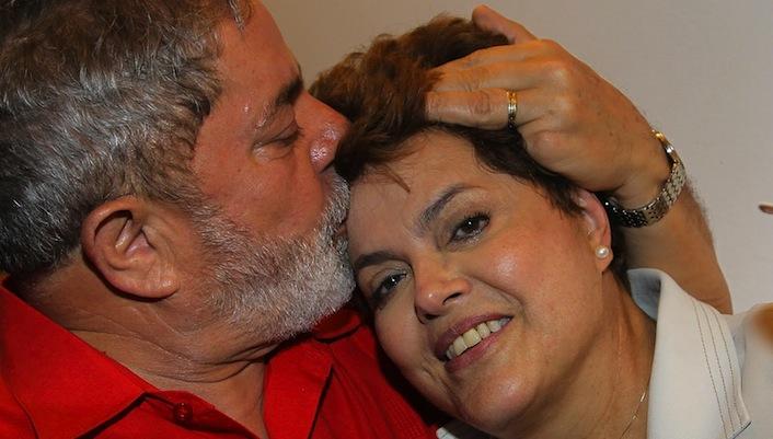 La presidente Dilma Rousseff insieme al suo predecessore Luiz Inàcio Lula da Silva.