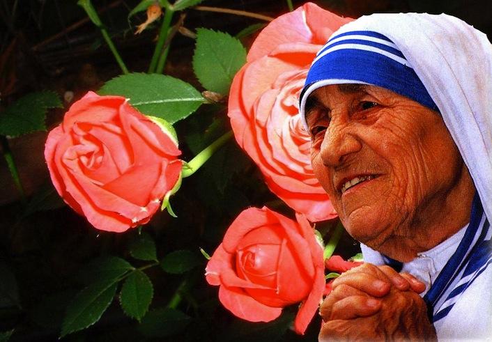 Ma siamo sicuri che Madre Teresa sia una santa?