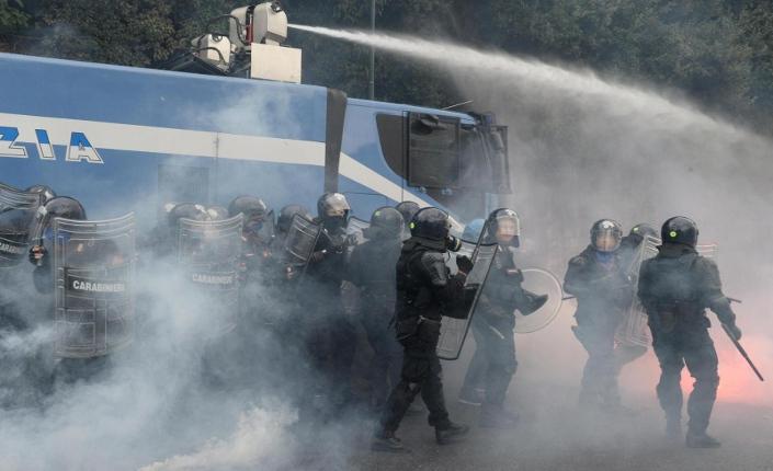 Block Bce: scontri a Napoli