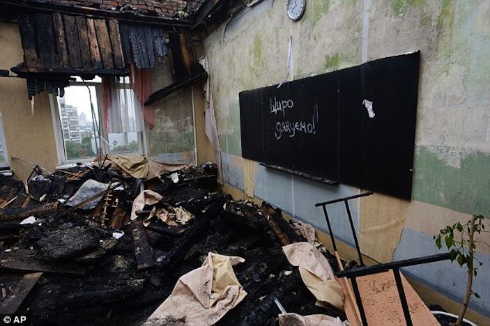 Ucraina, primo giorno di scuola con strage a Donetsk