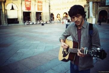 Il chitarrista che stregò Lucio Dalla e ha conquistato l'Arena di Verona