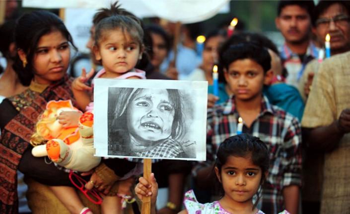 Aprile 2013. Funerali di una bambina di 4 anni morta di stupro a Nagpur