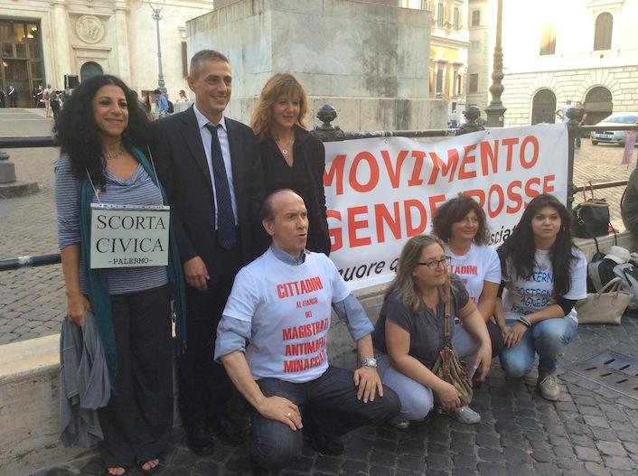 In piazza con i magistrati a denunciare la trattativa