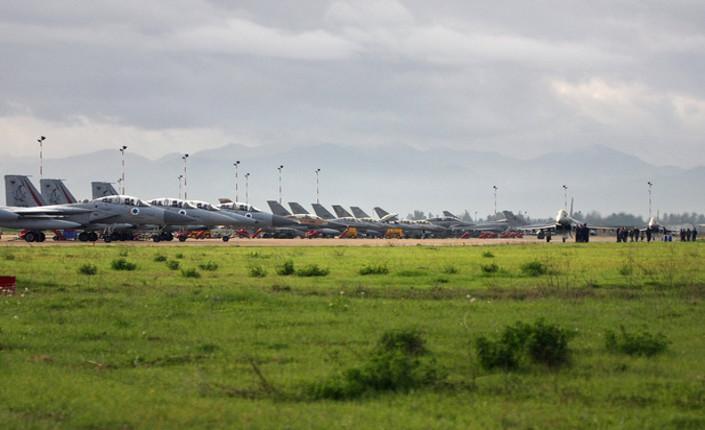 Jet dell'aviazione israeliana prendono parte nel 2010 a una esercitazione militare in Sardegna