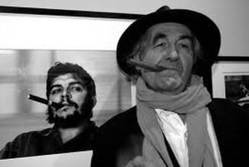 Morto René Burri, fotografò il Che che fuma il sigaro