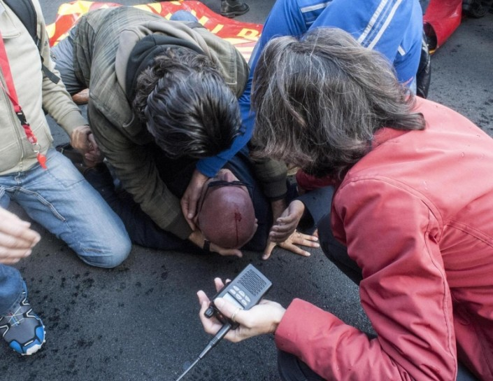 Napoli, proibito essere solidali con gli operai di Terni