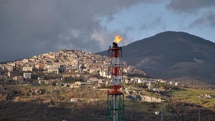Nell'area a nord del lago Pertusillo si trova il più grande giacimento di idrocarburi d'Europa.