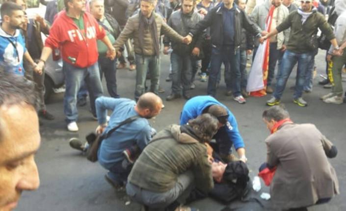 Roma. Protesta Ast, scontri tra manifestanti e celere. 5 operai feriti
