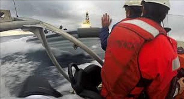Spagna, la Marina militare ferisce un'attivista italiana di Greenpeace