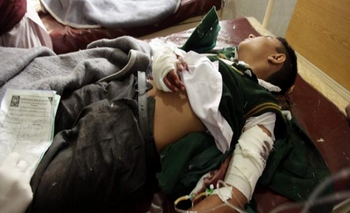 Uno degli studenti feriti, ricoverato nell'ospedale di Peshawar