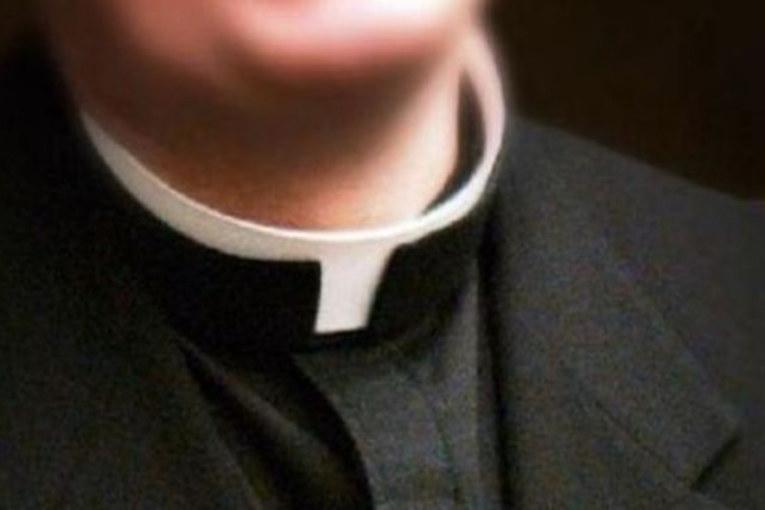 Roma Parioli: arrestato parroco per pedofilia