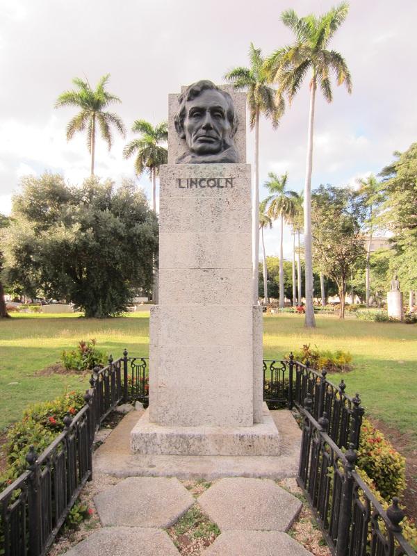 La Habana, effige di Abraham Lincoln  a Parque de La Fraternidad