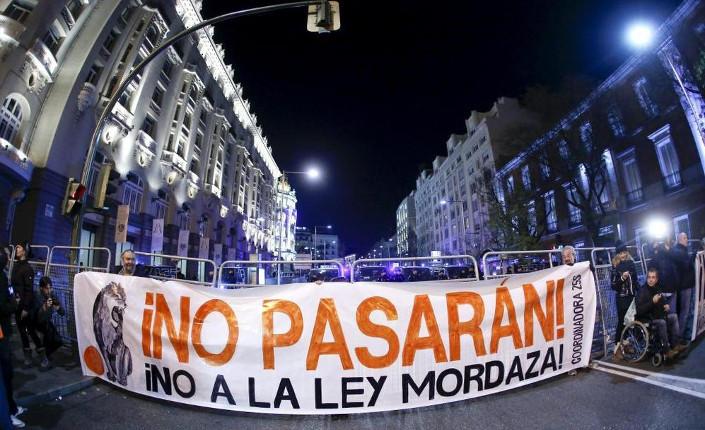 Spagna, legge sicurezza pubblica