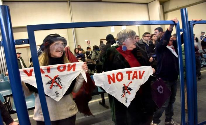 protesta nell'aula bunker delle Vallette dopo la lettura della sentenza