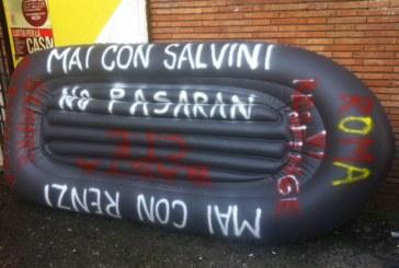 Un gommone per cancellare Salvini e i fascisti