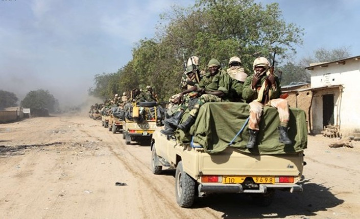 Truppe del Ciad nella città nigeriana di Gamboru - Afp