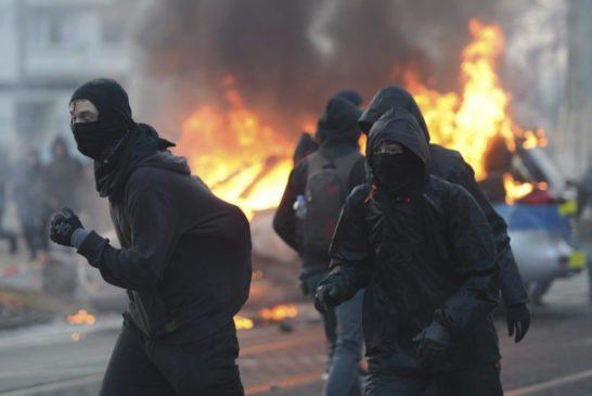 Protesta Blockupy davanti nuova sede BCE