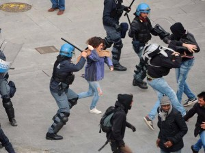 A Brescia il sindaco è la questura. E mena (video) - Popoff Quotidiano