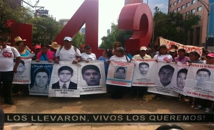 Messico 26 aprile 2015, ricordando i 43 studenti scomparsi