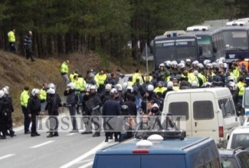 Grecia, la polizia spalleggia i padroni della corsa all'oro